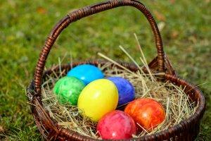 húsvéti tojások kosárban - illusztráció akciós cikkhez